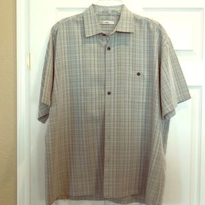 Large, short sleeve shirt